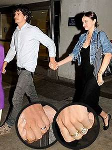 Newlyweds Orlando Bloom and Miranda Kerr Show Off Wedding ...