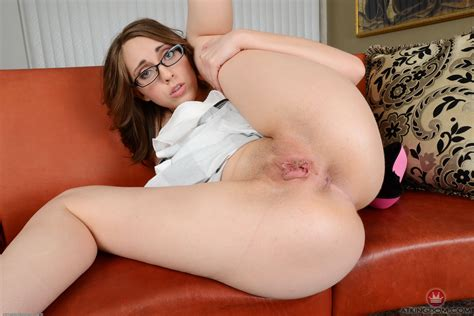 Featured Sexy Babe Nickey Huntsman Atk Babes