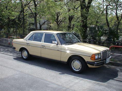 Mercedes Benz 230E(W123) '1985 - YouTube