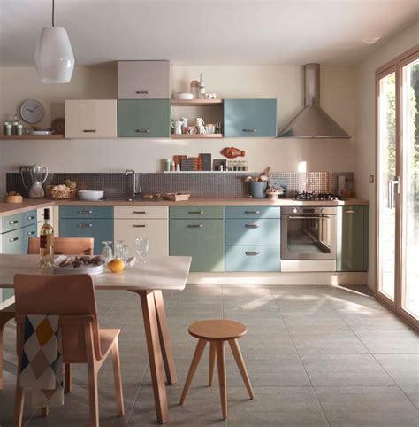 cuisine bleu pastel cuisine en couleur 12 modèles qui en jettent côté maison