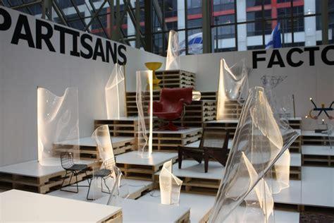 acrylic sheets transform light   architectural sculpture
