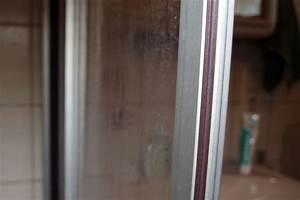 Kalkflecken Auf Glas : hartn ckige kalkflecken an duschwand entfernen frag mutti ~ Markanthonyermac.com Haus und Dekorationen