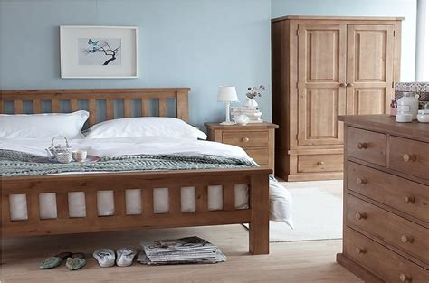 Bedroom Decorating Ideas With Pine Furniture by Salisbury Pine Bedroom Furniture A World Of Furniture