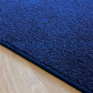 Tapis Sur Mesure : tapis sur mesure bleu rectangulaire ou carr fin ~ Medecine-chirurgie-esthetiques.com Avis de Voitures