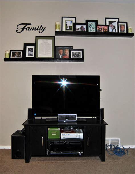 shelves  tvdont necessarily   decor