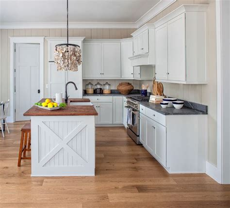 island in a small kitchen 18434 best kitchens images on white kitchens 7596