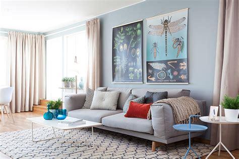 synonyme de canapé un intérieur scandinave bleu gris