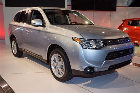 outlander mitsubishi hybrid mitsubishi discovers cause of melted batteries on