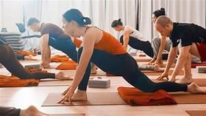 Spirit Yoga Charlottenburg : 11 ziemlich gute yogastudios in berlin mit vergn gen berlin ~ Markanthonyermac.com Haus und Dekorationen