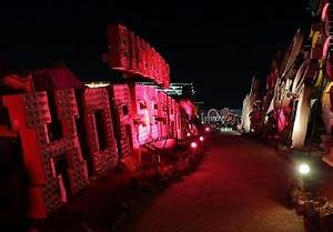 s Vegas Neon Museum starts night tours of signs
