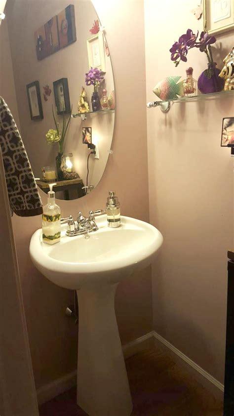 powder room with pedestal sink decorating ideas top 10 powder rooms with pedestal sinks get inspired Powder Room With Pedestal Sink Decorating Ideas