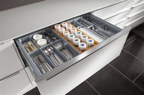 tiroire cuisine range couverts tiroir cuisine obasinc com