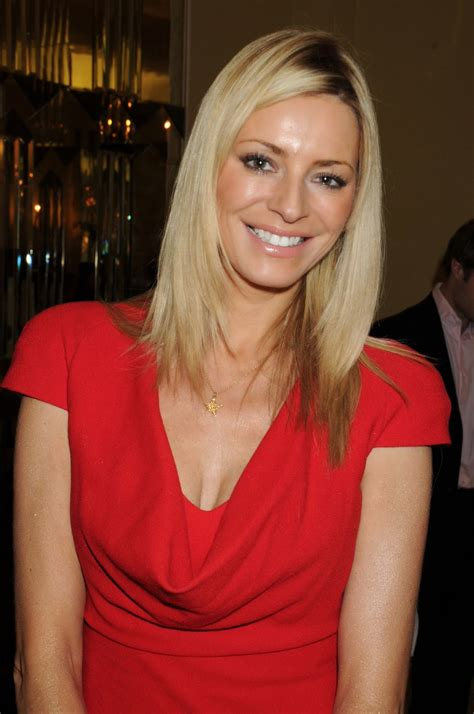 Photo and Biography: Tess Daly