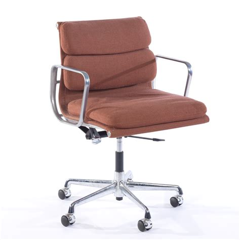 Herman Miller Eames Soft Pad Executive Chair by Charles Eames For Herman Miller Soft Pad Executive Chair