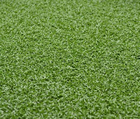 putting in a lawn putting green igrass artificial grass for the trade