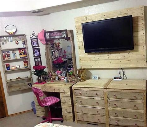 household      wooden pallets
