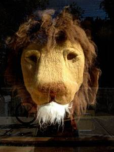 felted lion head | the knit cafe