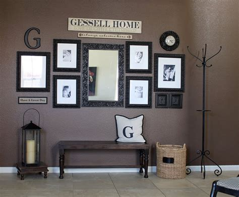 fotowand gestalten i like the wall grouping here wall decor photo display ideas home decorating ideas