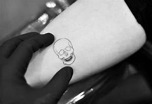 40 Simple Skull Tattoos For Men