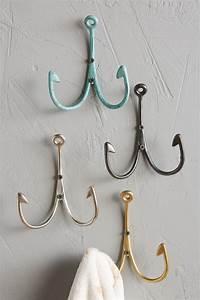 Fish hook wall