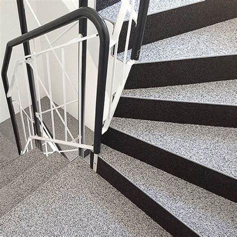 Steinteppich Treppe Außen by Steinteppich Verlegen Aussen Aussenbereich