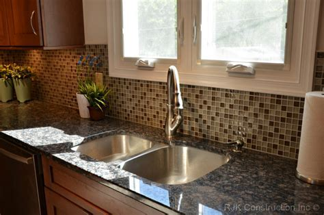 Modern Mosaic Backsplash Kitchen   Traditional   Kitchen