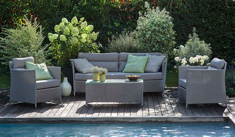 canapé bois et tissu quel salon de jardin choisir jardinerie truffaut