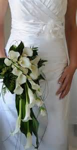 wedding flowers auckland trailing and teardrop bouquets auckland wedding flowers