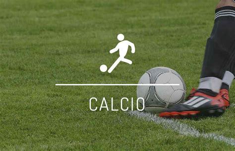 Completi da calcio, guanti portiere, scarpe da calcio ...