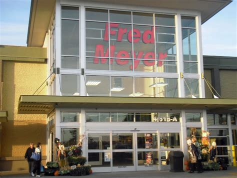 grand reopening weekend for fred meyer on 196th lynnwood today