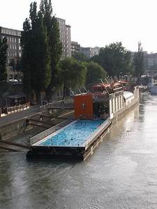 Pools In Berlin : badeschiff the floating swimming pool in berlin amusing planet ~ Eleganceandgraceweddings.com Haus und Dekorationen