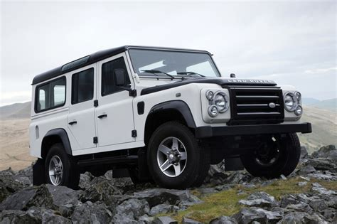 land rover defender tdi land rover defender 90 tdi station wagon 1 photo and 50