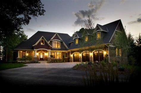 love  perpendicular garage house designs exterior house exterior traditional exterior