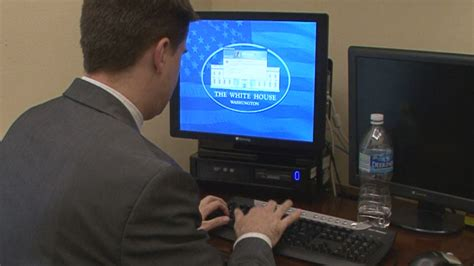 feds  white house computer hack points  russia nbc news