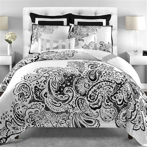 great black and white comforter set with white carpet of