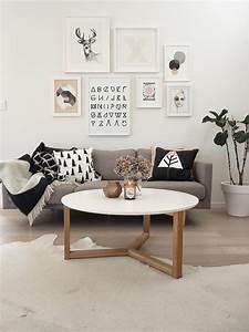table basse scandinave pour creer un interieur nordique With tapis de yoga avec comment changer la couleur d un canapé en cuir