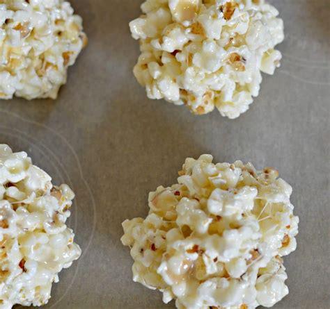colored popcorn balls white and blue popcorn balls my table