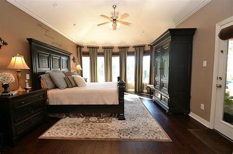 custom master bedrooms page
