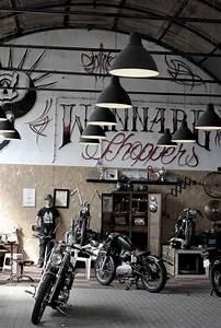 Garage Moto Paris : best 25 motorcycle garage ideas on pinterest motorcycle workshop motorcycle gear and ~ Medecine-chirurgie-esthetiques.com Avis de Voitures
