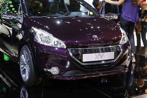 Peugeot 208 Hd Picture by 2013 Peugeot 208 Xy Hd Pictures Carsinvasion