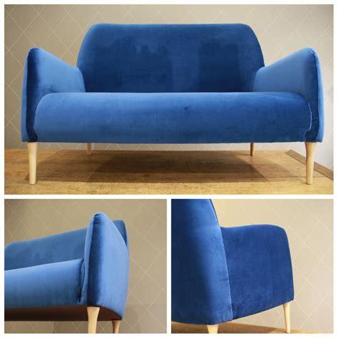 canapé velours design canapé design en velours bleu atelier md2atelier md2