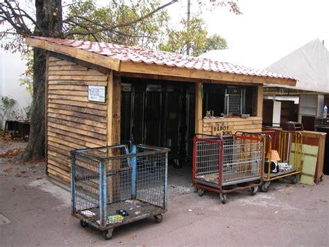 canap palette bois comment faire une cabane avec des palettes maison design