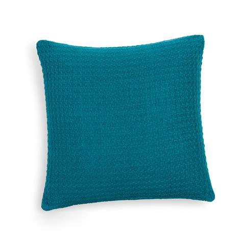 coussin en coton bleu    cm nash maisons du monde