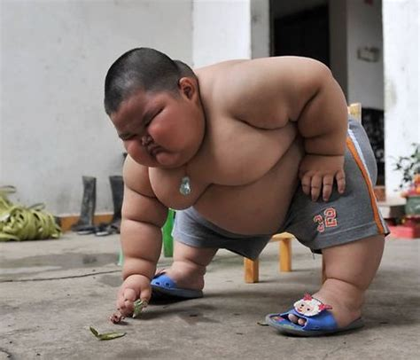 Fat Chinese Boy Meme - chinese baby doing exercise funny pictures hilarious jokes meme humor walmart fails
