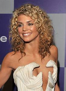 10 Celebrity Curly Hairstyles & The Products You Need to ...  Curly