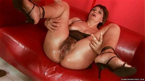 Squirting Big Dildo Mature Xvideos Com