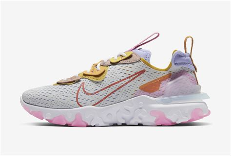 Retrouvez notre review de la nike d/ms/x react vision 'desert oasis' light bone terra blush blue, une version multicolore pour. Nike React Vision Saffron CI7523-003 Release Date Info ...