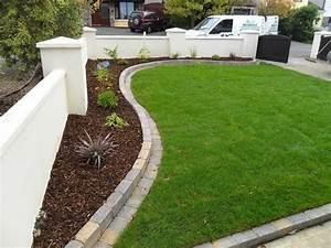 Brick landscape edging ideas inexpensive landscape for Brick border garden edging ideas