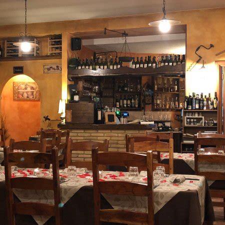 Osteria Il Cortile by Ristorante Osteria Il Cortile In L Aquila Con Cucina