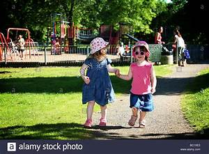 Two young toddler pre-school best friends 2 and 3 year ...